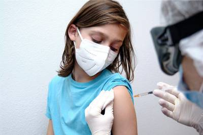 Minnesota offers kids $100K scholarships, $200 gift cards as COVID-19 vaccine incentives